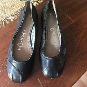 TOMS leather ballet flats